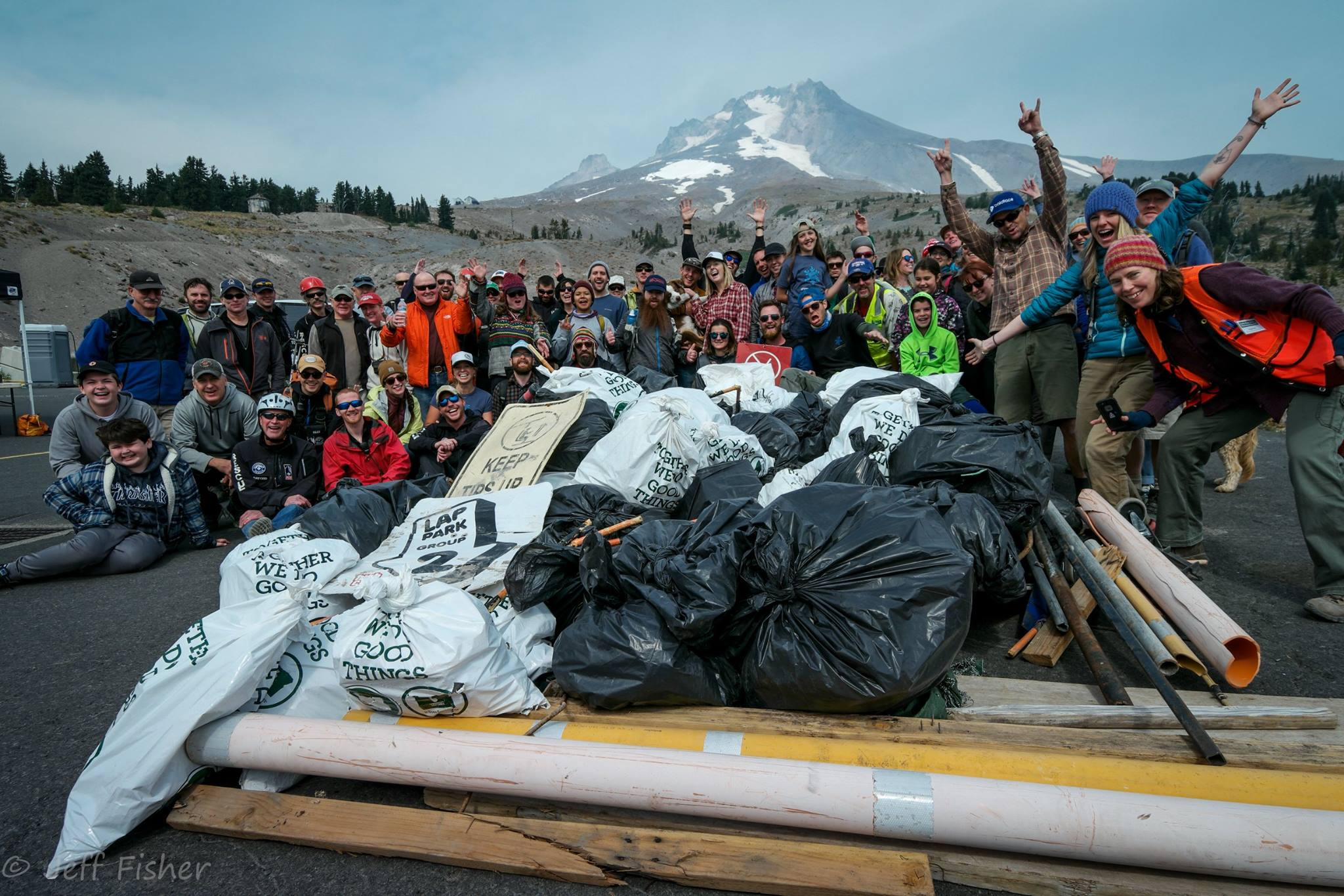Mt Hood and volunteers with trash