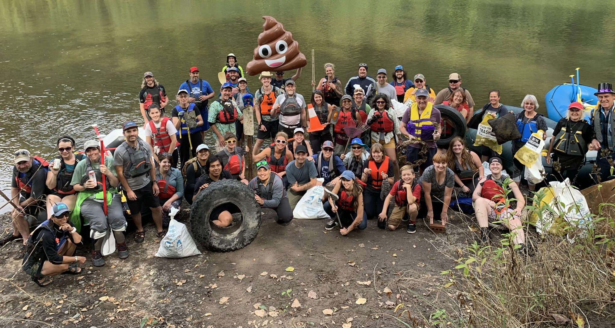 volunteer floaters on sandy river